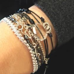Bracelet-cordon-noir-cristal-de-rochependant argent massif