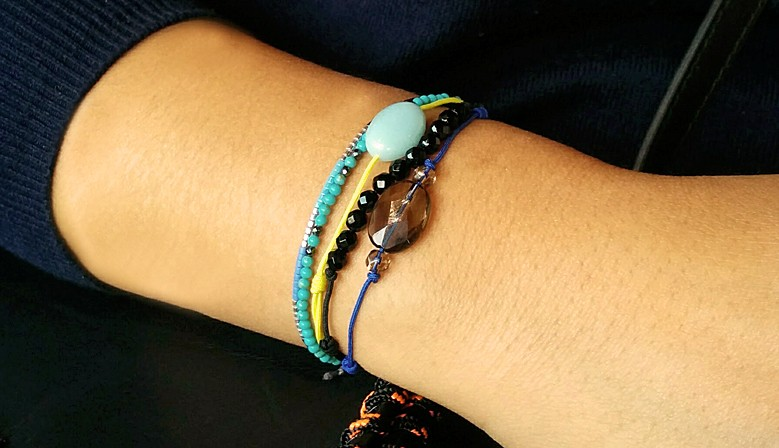bracelets pierres véritables multi-pierres améthystes labradorites quartz roses onyx amazonites aventurines vertes aigues marines lapis lazulis malachites turquoises pierres de lunes